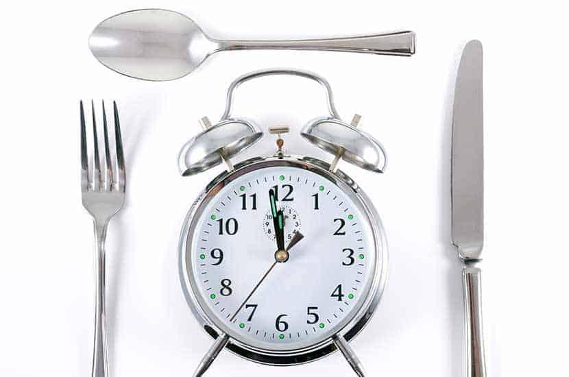 Nehmen Sie Prolesan Pure eine halbe Stunde vor dem Frühstück und eine halbe Stunde vor dem Mittagessen