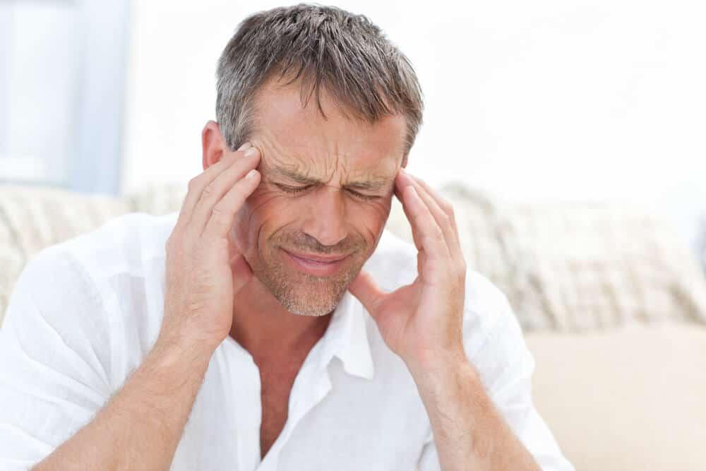 Unter seinen Nebenwirkungen können wir Kopfschmerzen hervorheben.